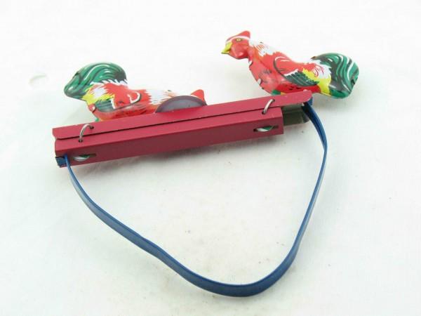 Blechspielzeug - Pickende Hähne, Handspiel