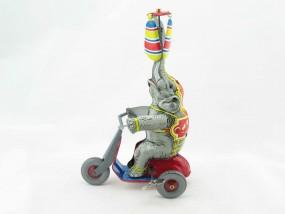 Blechspielzeug - Elefant auf Dreirad BRD