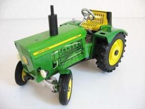 Traktor John Deere 3120 von KOVAP - Blechspielzeug