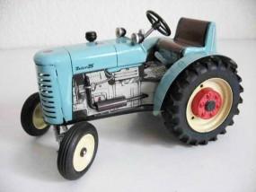 Traktor ZETOR 25 von KOVAP - Blechspielzeug
